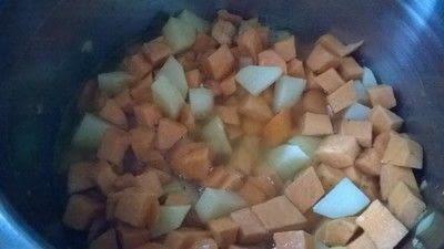 How to cook a potato soup. Sweet Potato & Coconut Soup - Step 3