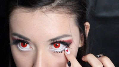 How to create a face painting. Evil Alice In Wonderland Halloween Makeup Tutorial - Step 25