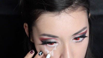 How to create a face painting. Evil Alice In Wonderland Halloween Makeup Tutorial - Step 26