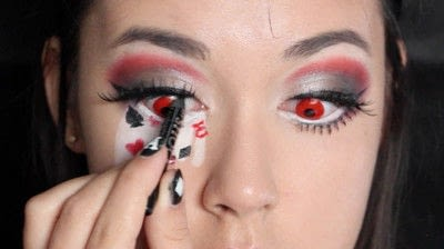 How to create a face painting. Evil Alice In Wonderland Halloween Makeup Tutorial - Step 31