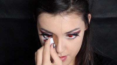 How to create a face painting. Evil Alice In Wonderland Halloween Makeup Tutorial - Step 32