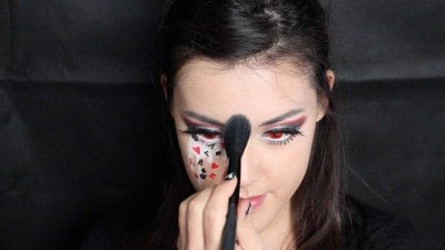How to create a face painting. Evil Alice In Wonderland Halloween Makeup Tutorial - Step 34