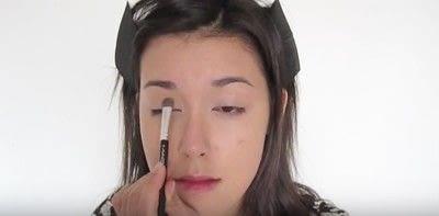 How to create a smokey eye. Autumn Makeup   Natural Smokey Eye And Red Lip - Step 8