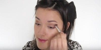 How to create a smokey eye. Autumn Makeup   Natural Smokey Eye And Red Lip - Step 13