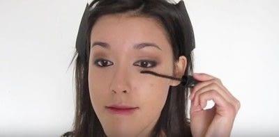 How to create a smokey eye. Autumn Makeup   Natural Smokey Eye And Red Lip - Step 17