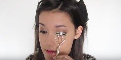 How to create a smokey eye. Autumn Makeup   Natural Smokey Eye And Red Lip - Step 18
