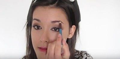 How to create a smokey eye. Autumn Makeup   Natural Smokey Eye And Red Lip - Step 22
