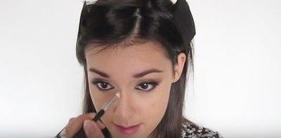 How to create a smokey eye. Autumn Makeup   Natural Smokey Eye And Red Lip - Step 24