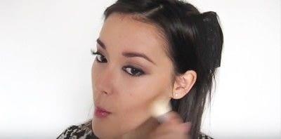 How to create a smokey eye. Autumn Makeup   Natural Smokey Eye And Red Lip - Step 25