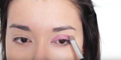 How to create an eye makeup look. Pink Goth Grunge Makeup Tutorial - Step 7