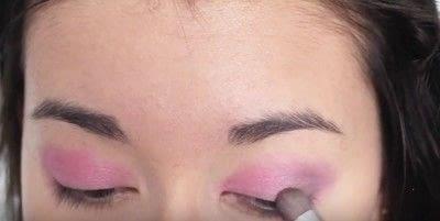 How to create an eye makeup look. Pink Goth Grunge Makeup Tutorial - Step 8
