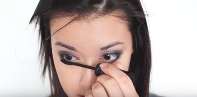 How to create an eye makeup look. Pink Goth Grunge Makeup Tutorial - Step 15