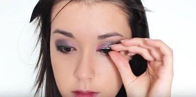 How to create an eye makeup look. Pink Goth Grunge Makeup Tutorial - Step 17