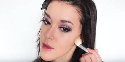 How to create an eye makeup look. Pink Goth Grunge Makeup Tutorial - Step 23
