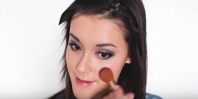How to create an eye makeup look. Pink Goth Grunge Makeup Tutorial - Step 25