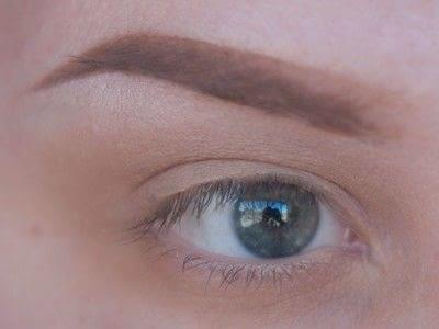 How to create a cut crease eye makeup look. Smokey Cut Crease - Step 1