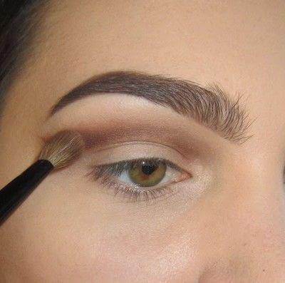 How to create a cut crease eye makeup look. Classic Cut Crease - Step 1