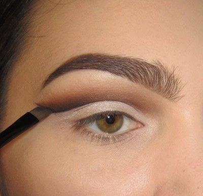 How to create a cut crease eye makeup look. Classic Cut Crease - Step 3