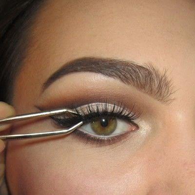 How to create a cut crease eye makeup look. Classic Cut Crease - Step 6