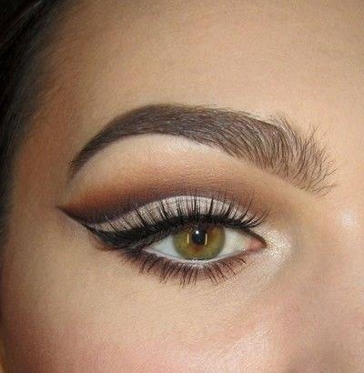 How to create a cut crease eye makeup look. Classic Cut Crease - Step 7