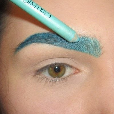 How to makeover an eyebrow. Turquoise/Teal Colored Brows - Step 3