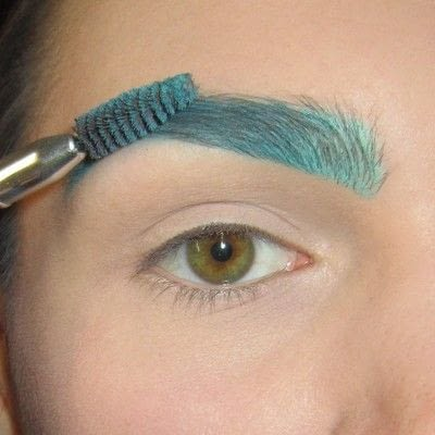 How to makeover an eyebrow. Turquoise/Teal Colored Brows - Step 4