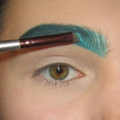 How to makeover an eyebrow. Turquoise/Teal Colored Brows - Step 5