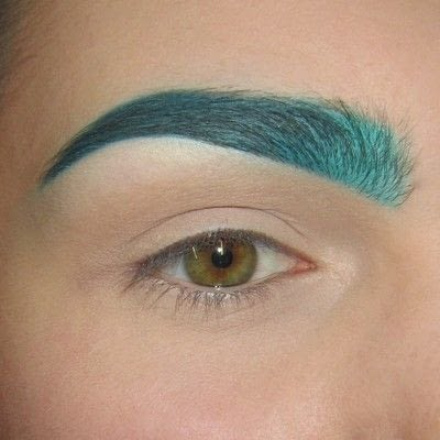 How to makeover an eyebrow. Turquoise/Teal Colored Brows - Step 7