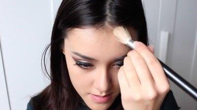 How to create a tan or contour makeup. Simple Face Contour - Step 7