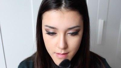 How to create a tan or contour makeup. Simple Face Contour - Step 10