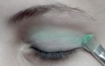 How to create a rainbow eye makeup. Candy Girl - Step 2