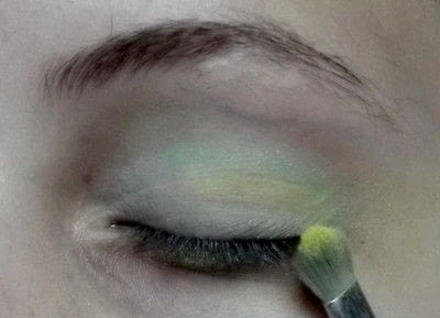 How to create a rainbow eye makeup. Candy Girl - Step 4