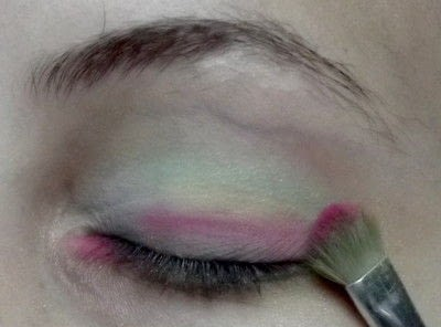 How to create a rainbow eye makeup. Candy Girl - Step 6