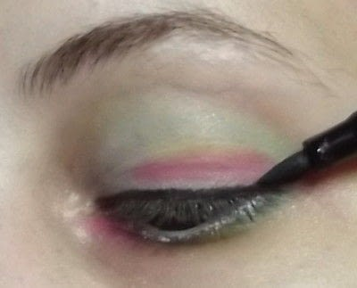 How to create a rainbow eye makeup. Candy Girl - Step 9