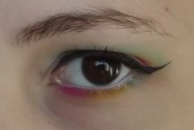 How to create a rainbow eye makeup. Candy Girl - Step 10