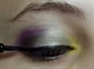 How to create a green eye makeup look. Colorful - Step 6