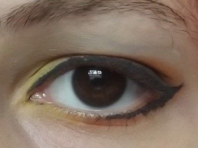 How to create a two toned eye makeup look. Everybody Hate's Orange - Step 5