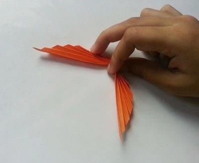 How to make a paper model. Diy Fun Paper Leaf - Step 4