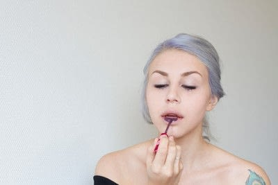 How to create a lip makeup look. Edgy and bold lips - Step 6