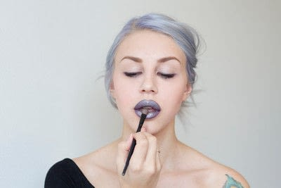 How to create a lip makeup look. Edgy and bold lips - Step 7