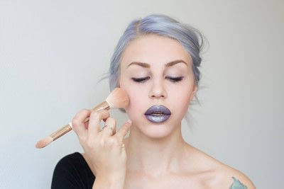 How to create a lip makeup look. Edgy and bold lips - Step 8