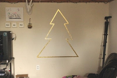 How to make a christmas tree. Home | Decorating A Small Space For The Holidays - Step 4