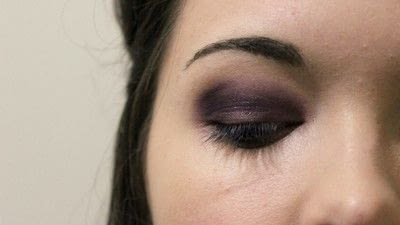 How to create a smokey eye. Adele Dark Smokey Makeup Look - Step 4