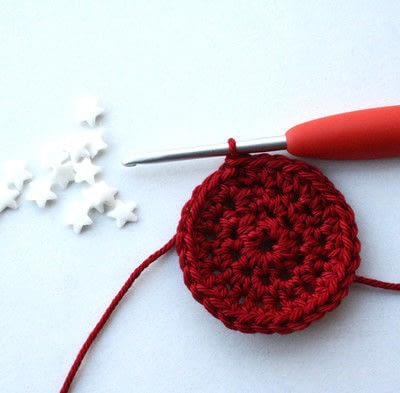 How to make a toy ball. Christmas Ball - Step 4