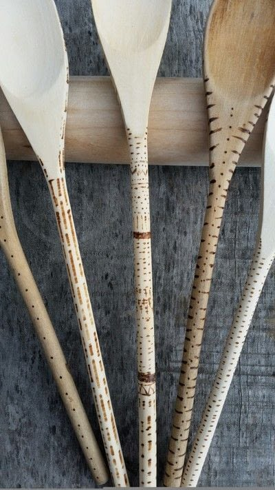 How to make a kitchen utensil. Decorated Wooden Spoons - Step 3