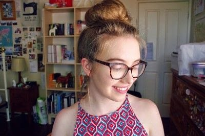 How to style a messy bun. Messy Bun Using Tights - Step 4