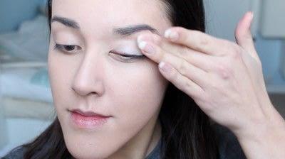 How to create a natural eye makeup. No Makeup Makeup | Brighter Eyes - Step 5