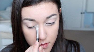 How to create a natural eye makeup. No Makeup Makeup | Brighter Eyes - Step 9