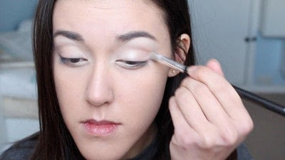 How to create a natural eye makeup. No Makeup Makeup | Brighter Eyes - Step 10