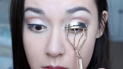 How to create a natural eye makeup. No Makeup Makeup | Brighter Eyes - Step 19